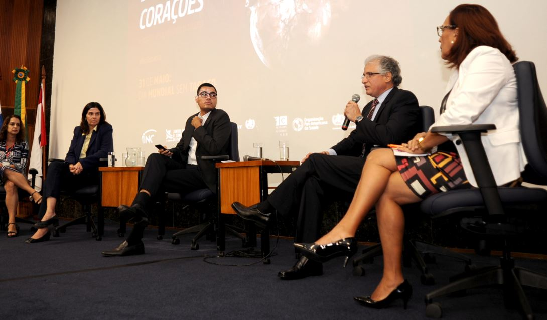 Especialistas discutem sobre os riscos do tabagismo