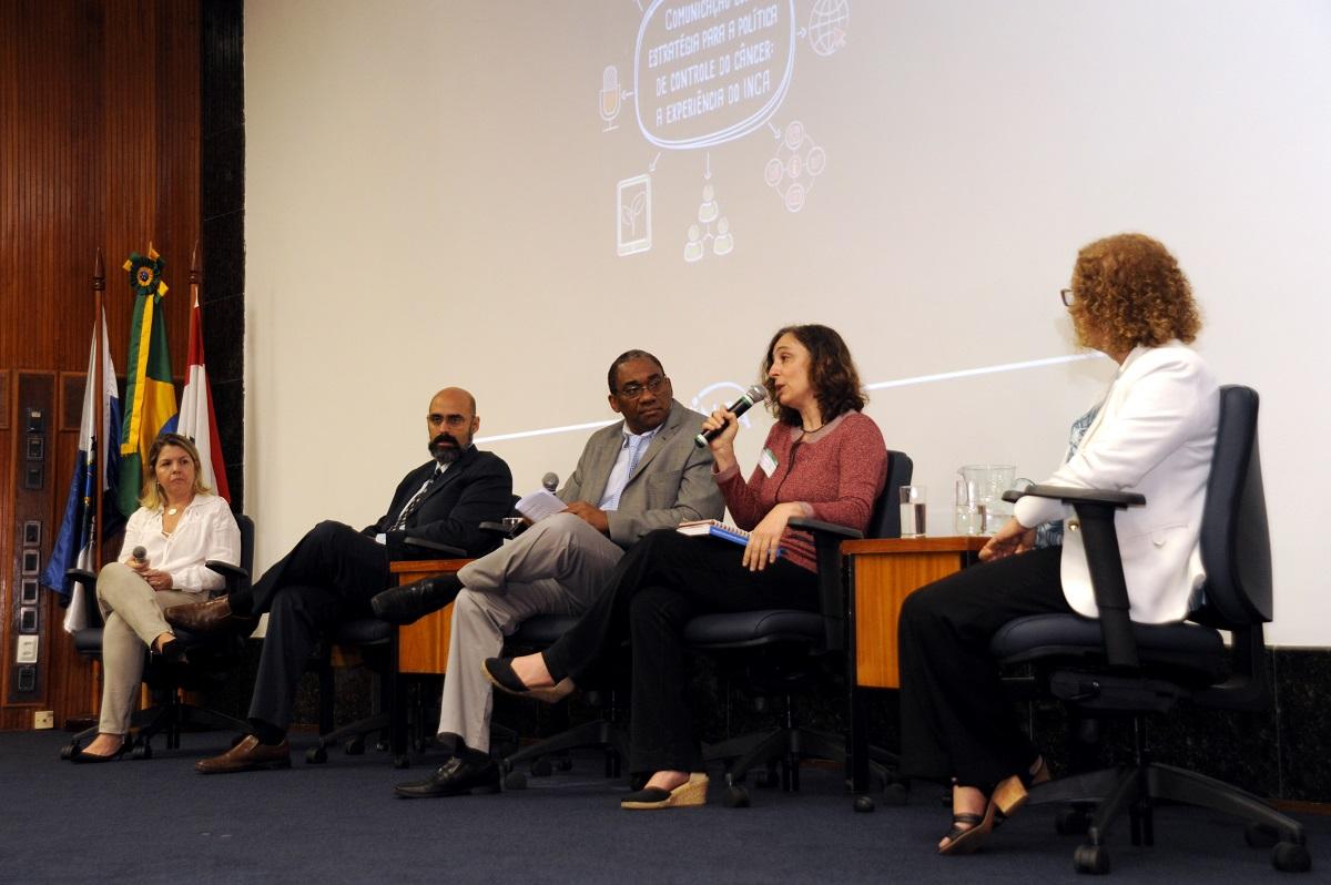 Debatedores abordaram os desafios para a comunicação pública