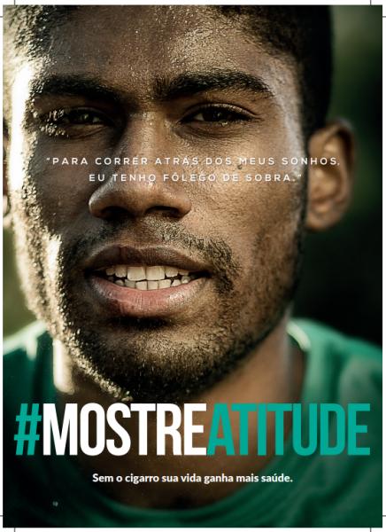 O cartaz com fundo preto tem a imagem de um homem negro suado com aspecto de quem fez atividade física.