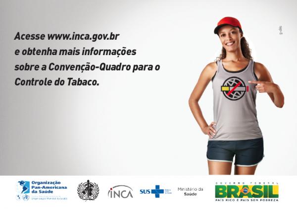 No folheto há uma imagem de um bombeiro, uma atleta e um salva vidas. Na camisa da atleta há a imagem da logo da Convenção-Quadro para o Controle do Tabaco.