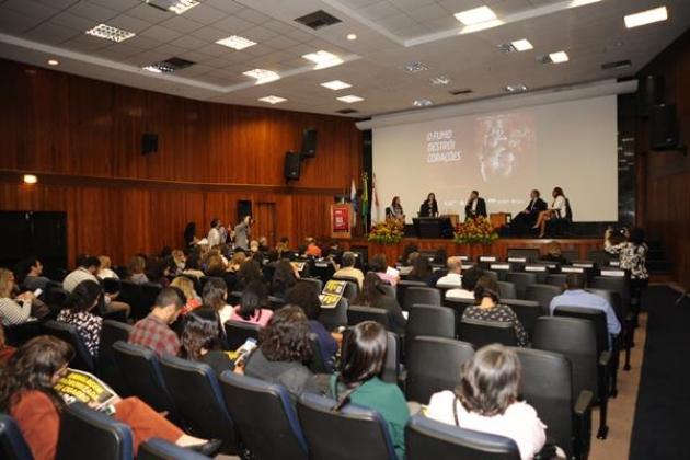 Ao final das palestras, foi iniciado o debate: Tabagismo e Doenças Cardiovasculares