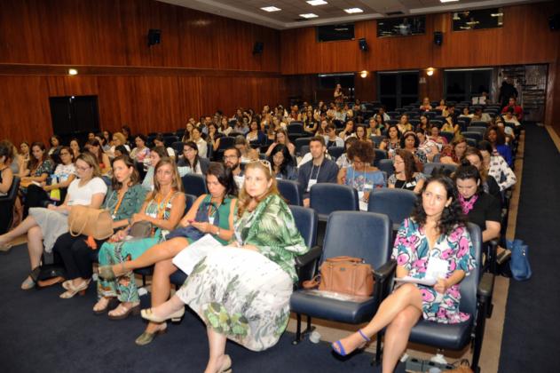 Auditório principal do INCA ficou cheio de interessados no assunto Dietas restritivas e fake news na ciência
