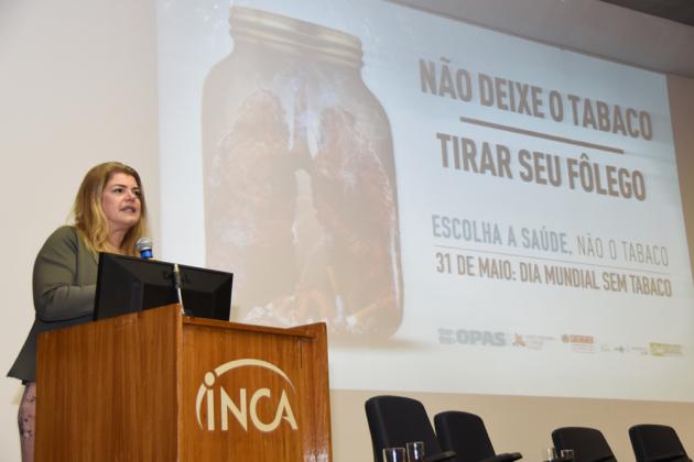 A diretora-geral do INCA, Ana Pinho, disse que a epidemia de tabaco sobrecarrega o sistema público de saúde