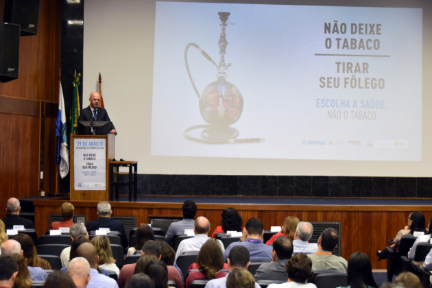 Gélcio Mendes, diretor-substituto do INCA, destacou os progressos alcançados pelo Brasil no controle do tabagismo
