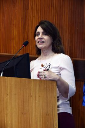 Sub-secretária de Regulação, da Secretaria Municipal de Saúde do Rio, Claudia da Silva Lunardi, abriu o evento