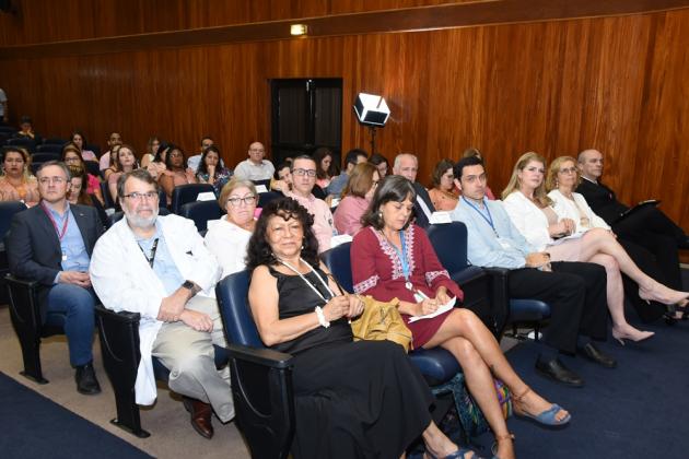 Equipes de diversas coordenações do INCA e convidados prestigiaram o evento