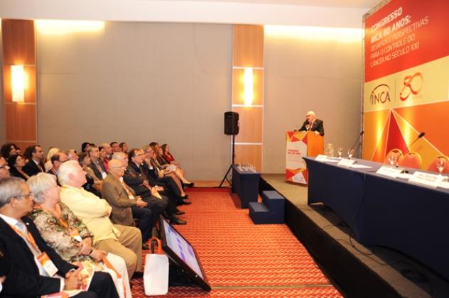 Pesquisador Moyses Szklo proferiu conferência magna