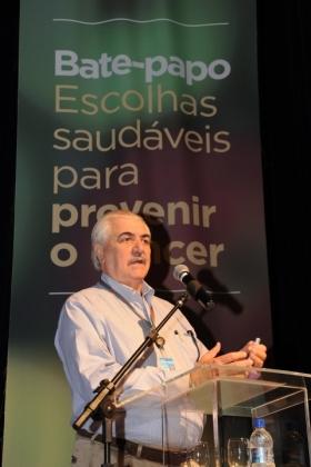 O diretor-geral do INCA, Luiz Antonio Santini, palestrou sobre o câncer no mundo e no Brasil