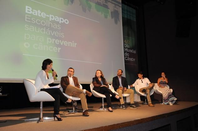 O debate sobre escolhas saudáveis foi mediado pela jornalista Rosângela Fernandes
