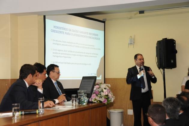 Secretário de Atenção à Saúde, Francisco de Assis, falou sobre investimentos do ministério em oncologia