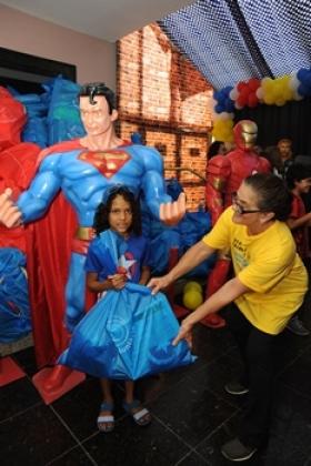 Brinquedos foram distribuídos para as crianças