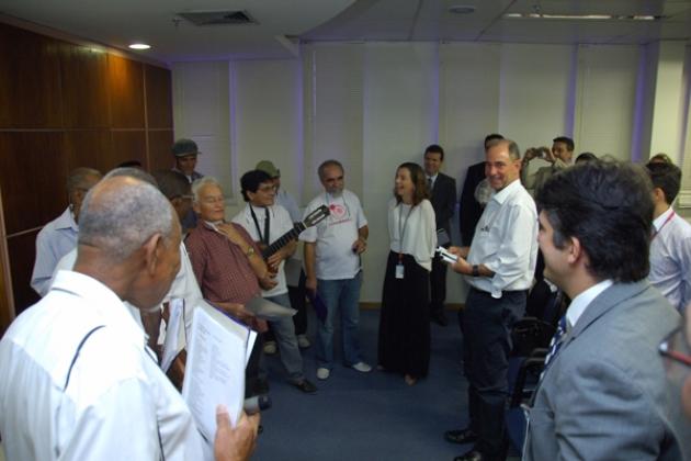 Grupo de apoio aos laringectomizados (GAL) se apresenta para os participantes