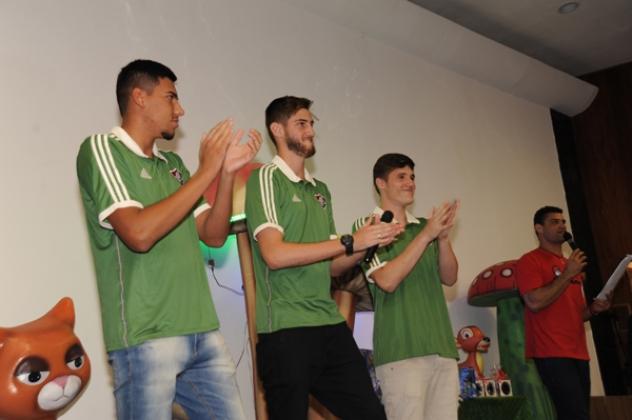 Jogadores do Fluminense da categoria sub-15 também compareceram ao evento