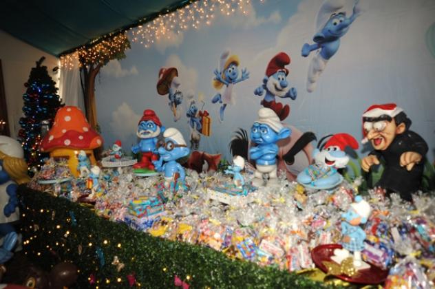 Tema da festa foi o Natal dos Smurfs